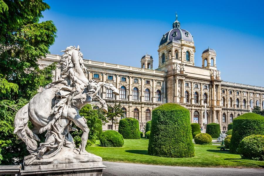 Автобусные туры из Львова в Вену без ночных переездов