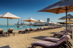 Лучшие пляжные отели в Абу-Даби. Radisson Blu Hotel & Resort.